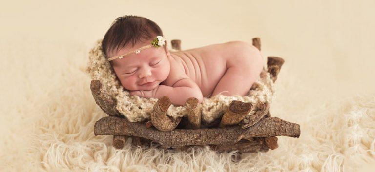 Newborn fotograaf, baby, zwangerschap in studio of bij jou thuis. Gelderland. Arnhem, fotografie pasgeboren en baby