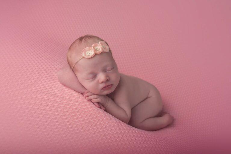 Pasgeboren sessie, fotoshoot in Arnhem. Newborn baby fotoshoot